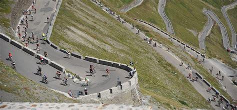 Stilfser Joch Motorrad Bilder 2015 by How To Cycle Faster Up Big Hills Don T Copy The Pros
