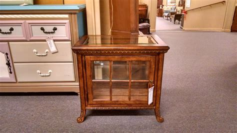 glass top curio table curio glass top end table delmarva furniture consignment