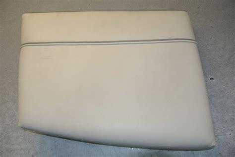 maxum boat cushions 1995 maxum boat vinyl port side bow seat cushion green