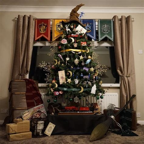 harry potter christmas decorating ideas this quot harry potter quot themed tree is magic martha stewart