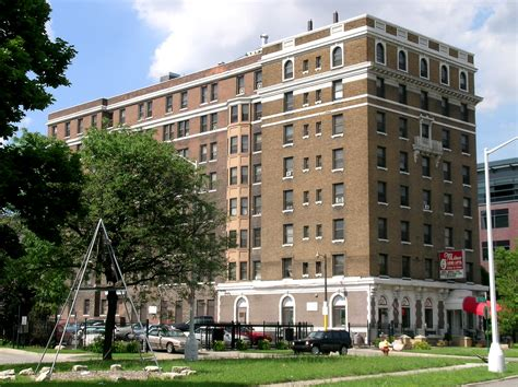 Page 9 Waterfront Apartments For Rent In Detroit Mi by Milner Arms Apartments Wikiwand