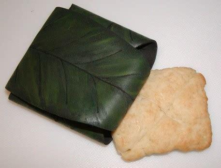 a tavola con gli hobbit mallorn leaf wrapper tutorial and lembas bread nerdy