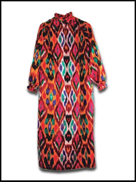 uzbek traditional clothing asia travel discoveries традиционная узбекская одежда обычаи и традиции