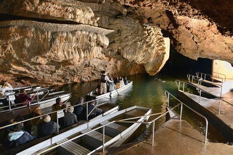 les barques visitez le gouffre de padirac et sa rivi 232 re souterraine