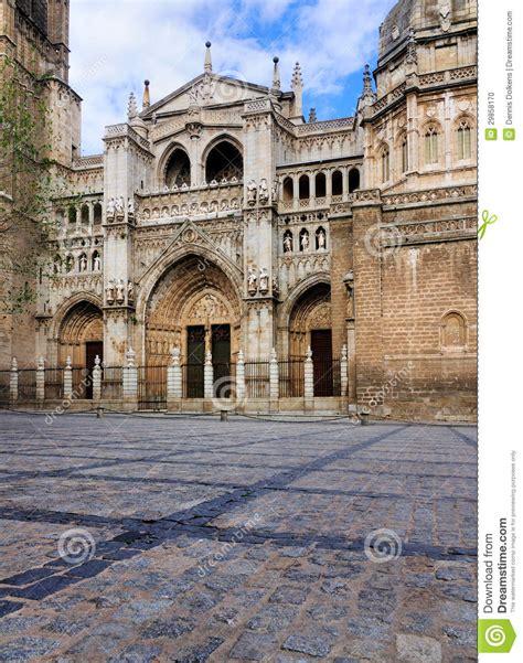 imagenes catedrales goticas españa fachada de la catedral de toledo espa 241 a foto de archivo