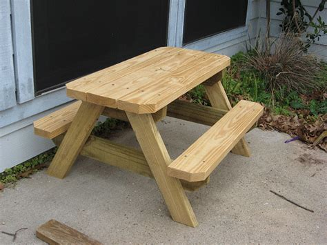 kids picnic bench plans the diyers photos kids picnic table project by emmaly