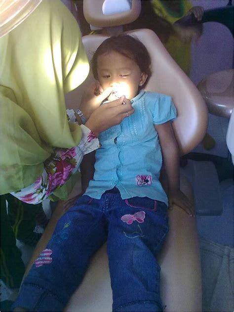 Pembersihan Karang Gigi Di Klinik Nadira fasilitas klinik rb apotek