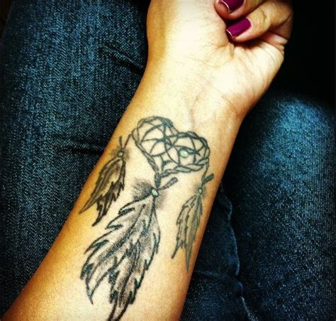 24 dreamcatcher tattoos on wrist for girls
