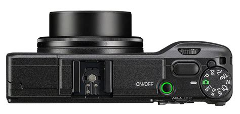 compact aps c ricoh s big sensor compact gets more social with nfc and wifi