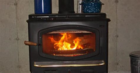 How Do Wood Burning Fireplace Inserts Work by How Does A Wood Burning Stove Work Ehow Uk