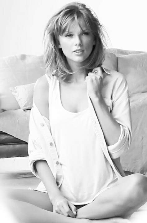taylor swift black and white black and white taylor swift image 2655735 by patrisha