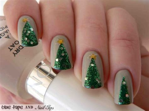 easy christmas tree nail art design tutorial alldaychic