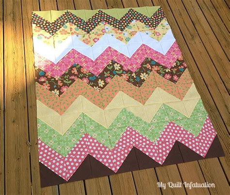 simple pattern quilt 20 easy chevron quilt patterns favequilts com