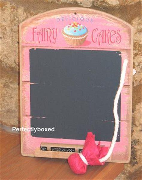 Mini Blackboard Pink wiscombe mini chalkboard cakes www perfectlyboxed
