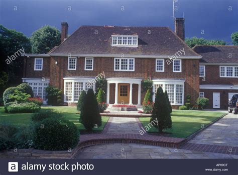 houses to buy north london desirable neo georgian detached house hstead north london uk stock photo