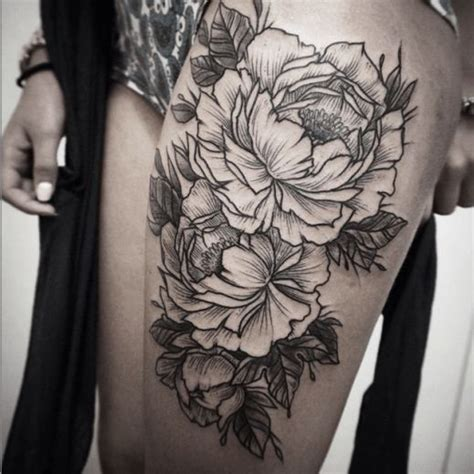 attractive on right thigh collection of 25 floral design on right leg