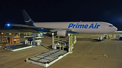 e commerce fuels cargo surge at chicago rockford international airport transport topics