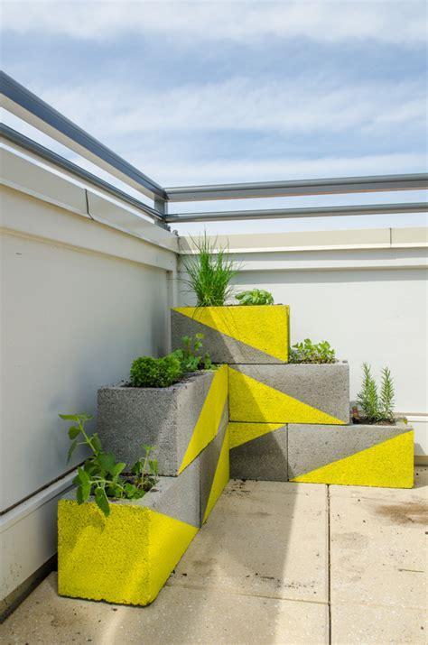 Cheap Modern Planters by Budget Backyard 10 Ways To Use Cheap Concrete Cinder