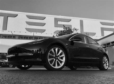 Tesla Manufacturing Tesla Model 3 Do Design Features Point To Self Driving