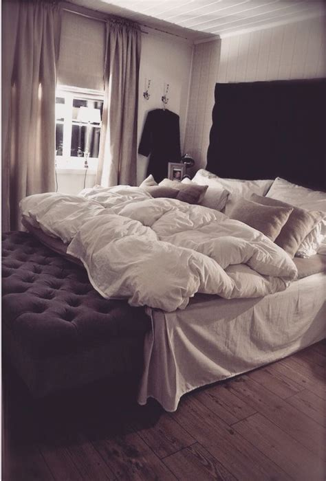 comfy comforters best 25 comfy bed ideas on pinterest apartment bedroom