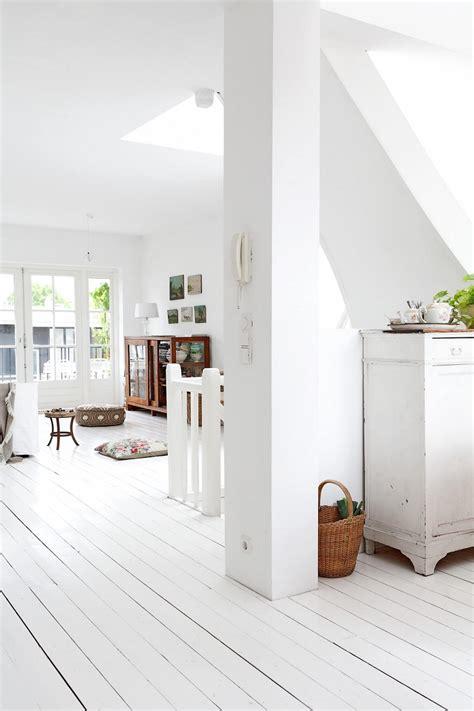 pavimenti in legno bianco parquet bianco la naturalezza della materia per ambienti