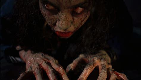 katsella elokuva the night of the hunter demons d 232 moni 1985 arvostelut leffatykki