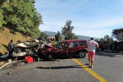 accidente conejera choque frontal un muerto y 5 heridos