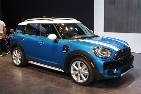 Mini Countryman by 2017 Mini Cooper Countryman Pushes The Compact Envelope
