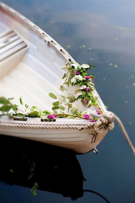 cool ideas    canoe   rustic wedding weddingomania