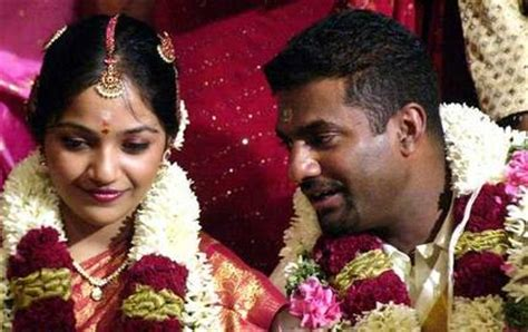 muttiah muralitharan with his wife madhimalar