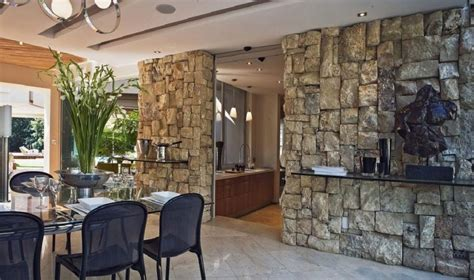 natursteinwand innen innen steinwand 22 elegante ideen zur gestaltung deko