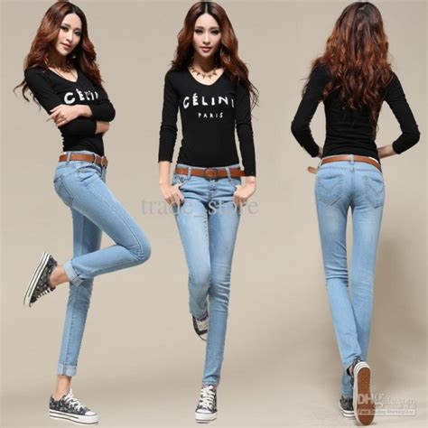 best ladies denims 40 latest styles and trends of jeans for women over 40 0014