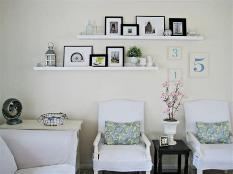 Living Room With Shelves - tip menata pigura ala profesional rooang