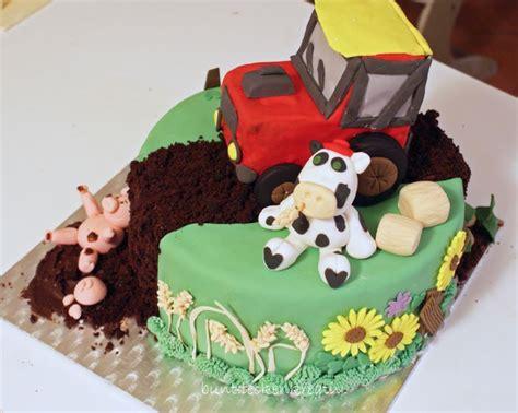 traktor kuchen rezept bauernhof torte mit traktor kuh und schweinchen meine