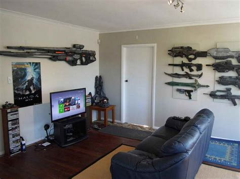 cool gaming bedrooms ideas awesome small game room ideas with weapon awesome