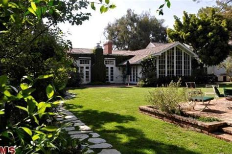 foster house jodie foster s house for sale 9 975 000 los angeles platinum triangle beverly