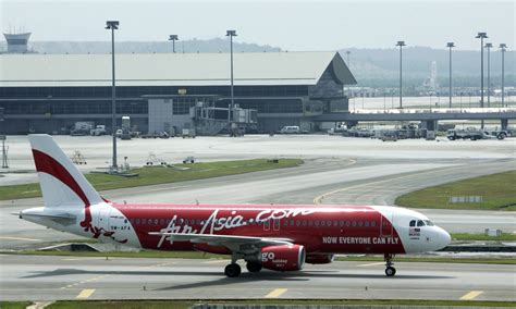 airasia contact airasia flight loses contact with air traffic control