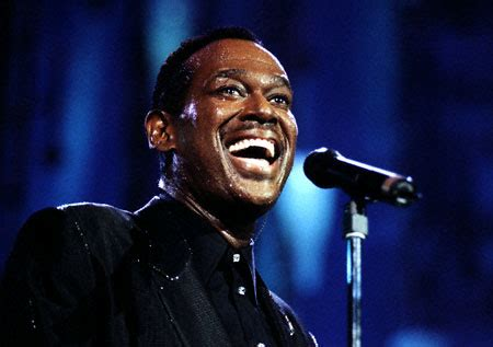 luther vandross house singer luther vandross to be posthumously honored on hollywood walk of fame