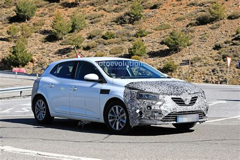 renault megane facelift spied testing  engines