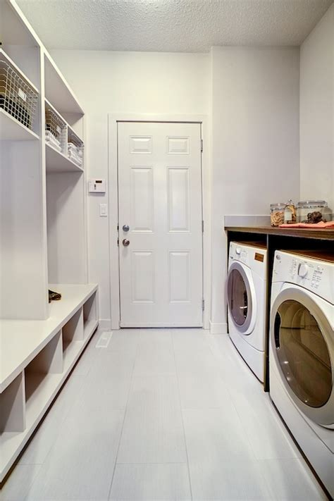 Laundry Rug Runner Mud Room Cubbies Design Ideas