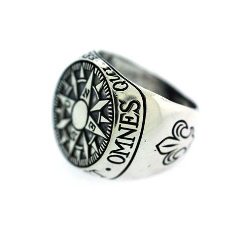 compass signet ring size  digby iona touch  modern