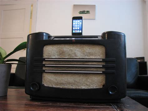 how to make a mod iphone and docking station out of arduino blog 187 vintage radio hacked into a docking station