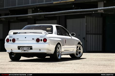 r32 skyline white gold terry s n1 r32 gtr tuned international