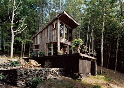 beautifully rustic  grid  york cabin sustainable