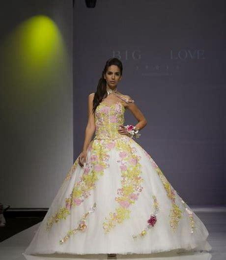 abiti da sposa con fiori colorati colori abiti da sposa