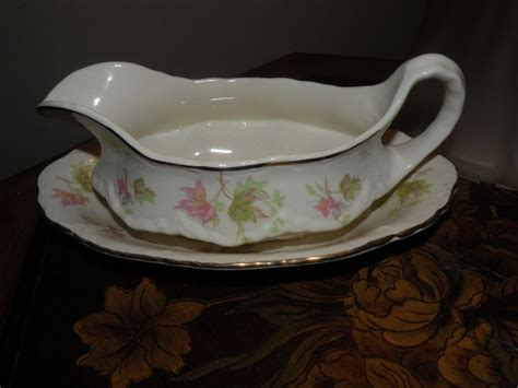 gravy boat tattoo the vintage booth homer laughlin gravy boat underplate