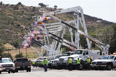 service arizona honor for the granite mountain 19 wildfire today