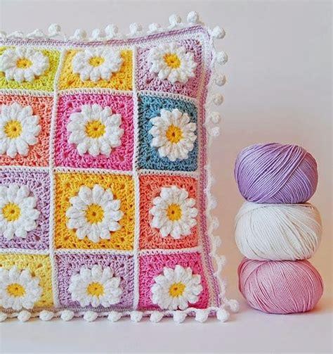 Bantal Imut Kombinasi 01 kompilasi crochet sarung bantal cantik dan pola gratis she nisa