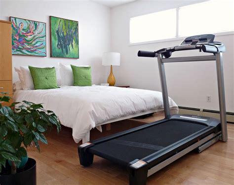 closet make under plus hiding a treadmill dans le lakehouse