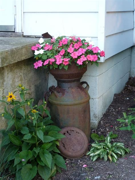 Milk Can Planter by 8 Best Images About Milk Can Ideas On Boots Sheds And Planters